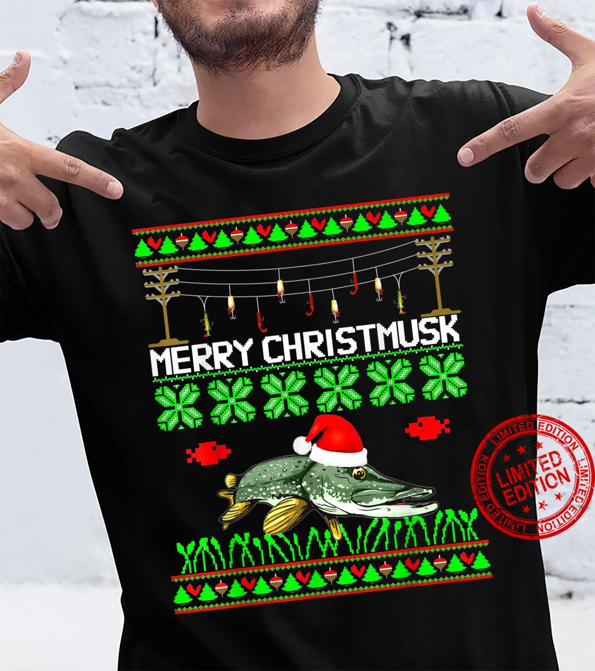 Merry Christmusk Musky Muskie Muskellunge Angler Esox fish Shirt